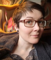 Artist and graphic novelist Elizabeth Jancewicz headshot